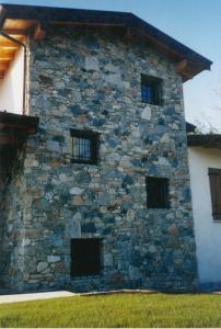 Facciata in pietra - Laveno Mombello