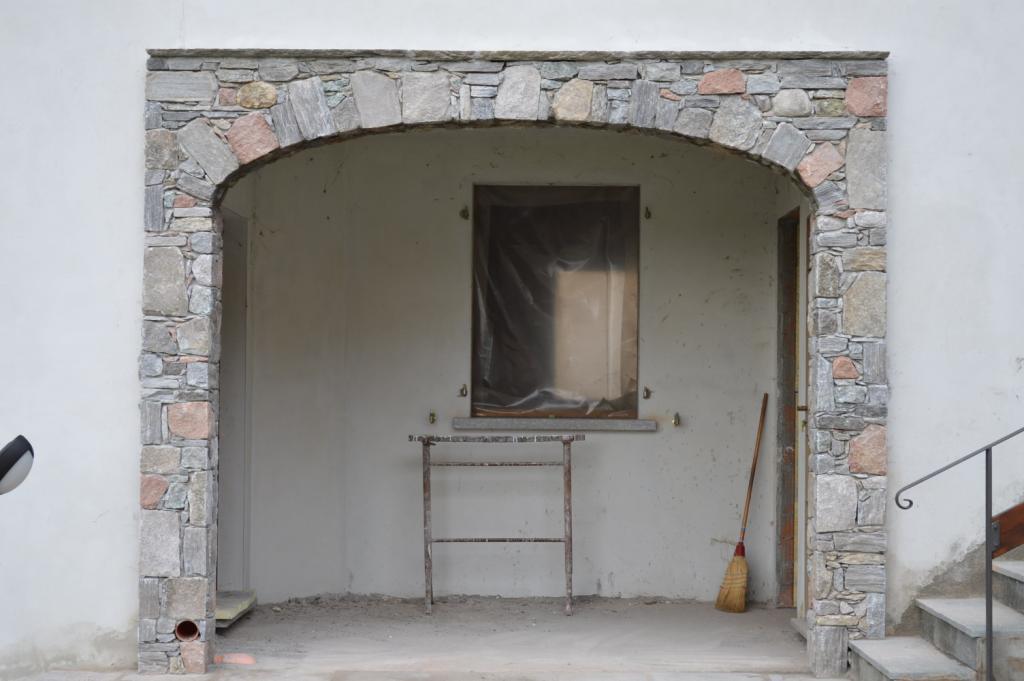 Lavori eseguiti opere in sasso tel for Archi in casa moderna